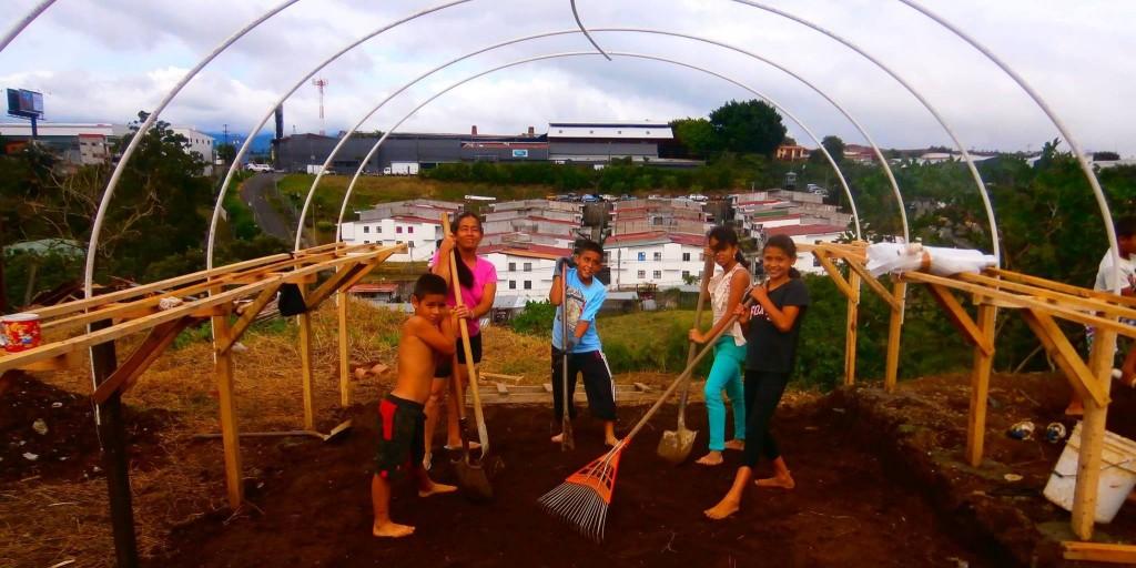 Nursery construction in the analog forestry site, Los Cipreses, San José. Photo: Eduardo Lopez