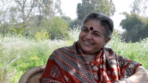 Vandana Shiva speaks out against GMOs in Costa Rica
