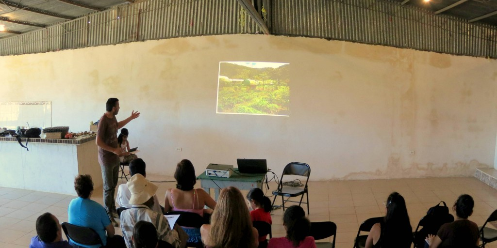 Agroecology workshops aimed at increasing local food security in Los Cipreses. Photo: Eduardo Aguilar
