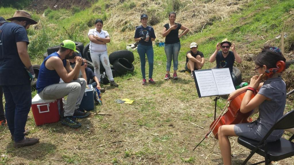 Kimborey serenading Thomson Reuter volunteers